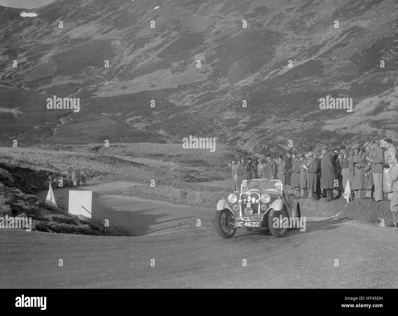 Singer Le Mans of Archie Langley at the RSAC Scottish Rally, Devil's Elbow, Glenshee, 1934. Artist: Bill Brunell. - Stock Image