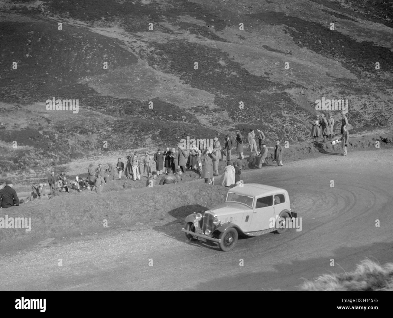 Austin 12/6 of JW Flewitt at the RSAC Scottish Rally, Devil's Elbow, Glenshee, 1934. Artist: Bill Brunell. - Stock Image