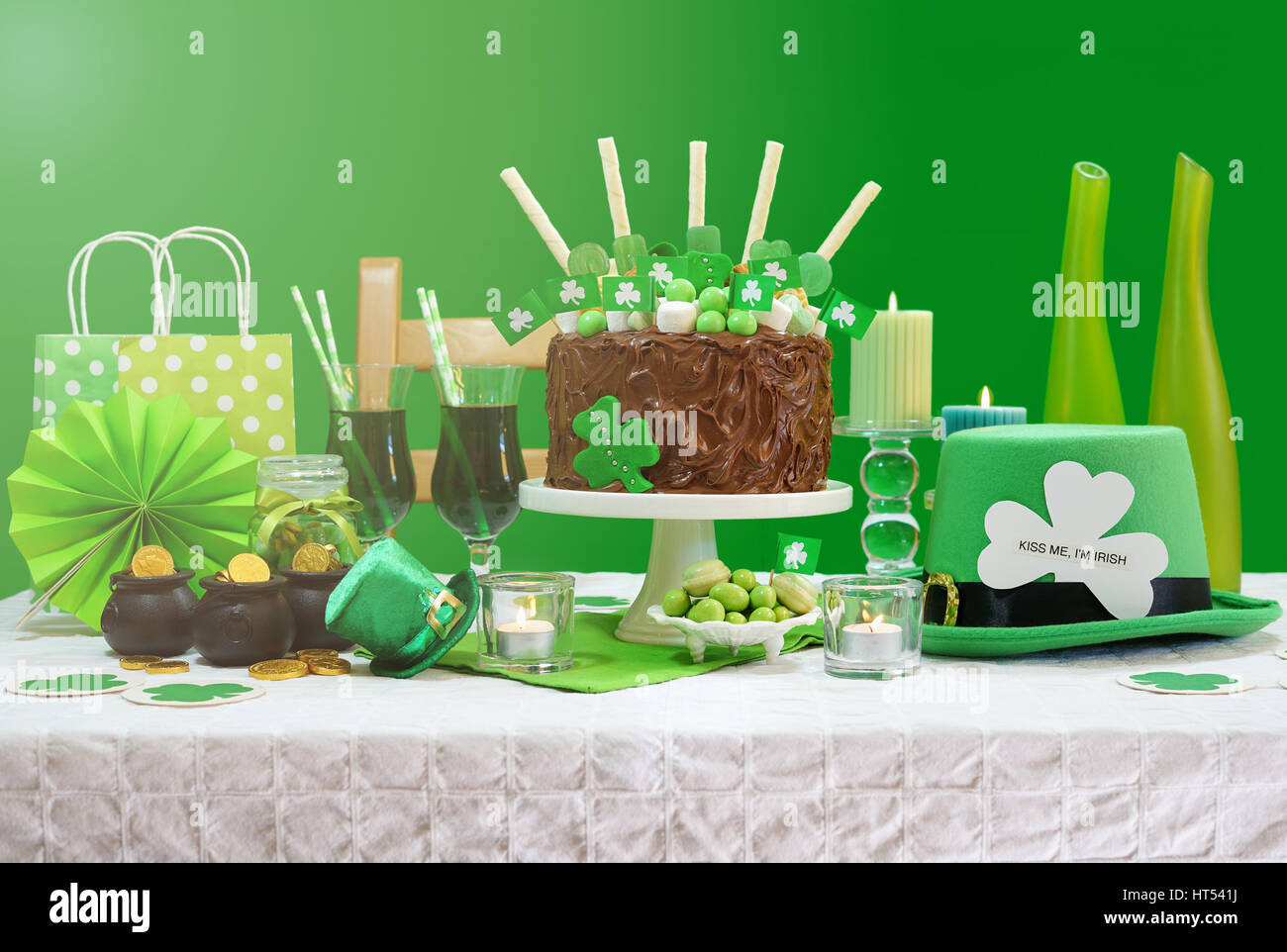 Super Happy St Patricks Day March 17 Green And White Party Table With Birthday Cards Printable Trancafe Filternl