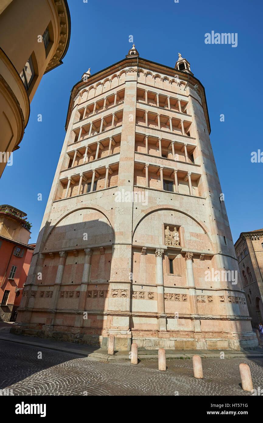 Exterior of the octagonal  Romanesque Baptistery of Parma, circa 1196, (Battistero di Parma), Italy - Stock Image