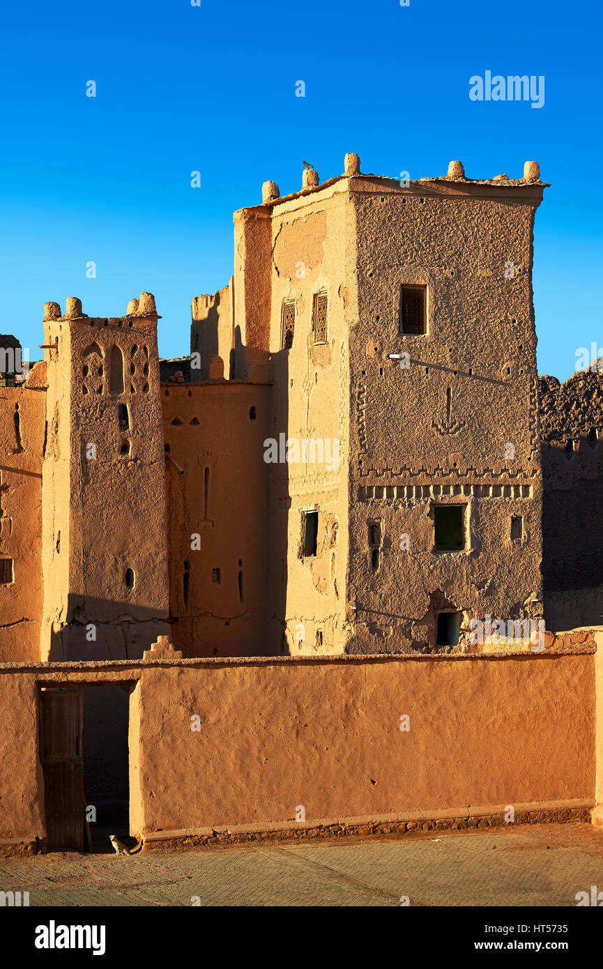 Exterior of the mud brick Kasbah of Taourirt, Ourrzazate, Morocco, built by Pasha Glaoui. A Unesco World Heritage - Stock Image