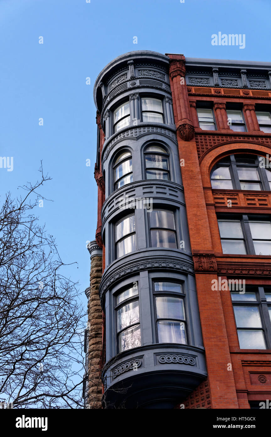 Victorian era Romanesque Revival style Pioneer Building in the Pioneer Square historical district, Seattle - Stock Image
