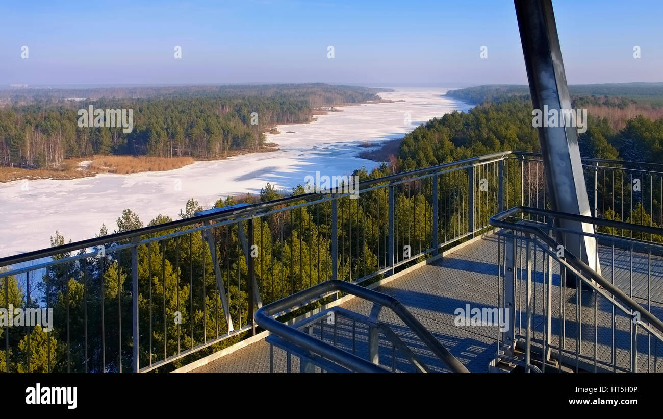 Senftenberger See Aussichtsturm im Winter - Senftenberg Lake in winter Observation tower, Lusatian Lake District - Stock Image