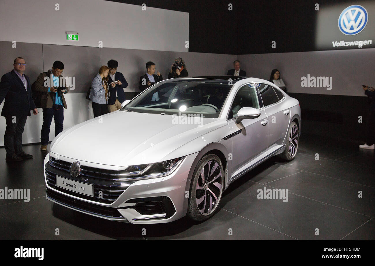 volkswagen arteon r line stock photo 135347736 alamy. Black Bedroom Furniture Sets. Home Design Ideas