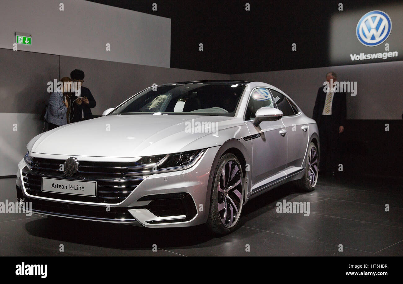 volkswagen arteon r line stock photo 135347739 alamy. Black Bedroom Furniture Sets. Home Design Ideas
