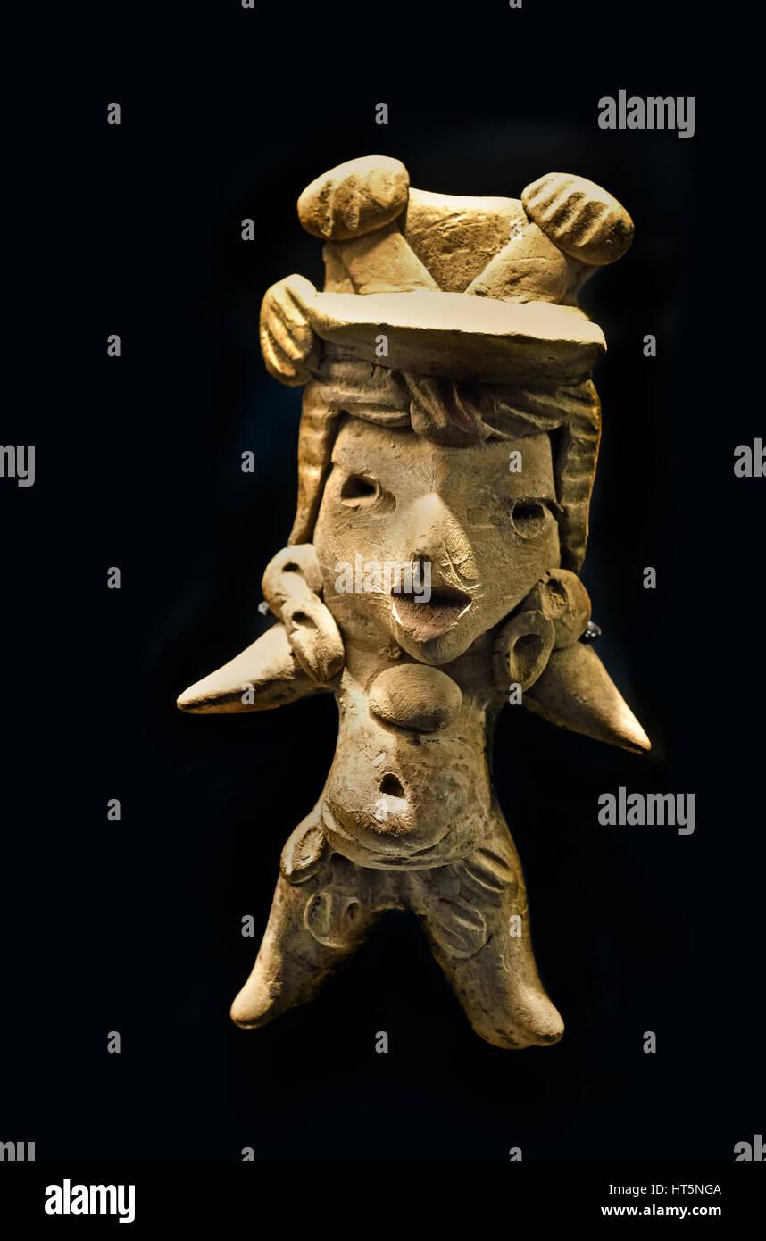Man Head Clay Preclassic Mexico Puebla Chalchicomula (District)  9.5 x 5 x 2.3 cm Mayans - Maya - Mayan Mexico Mesoamerican - Stock Image