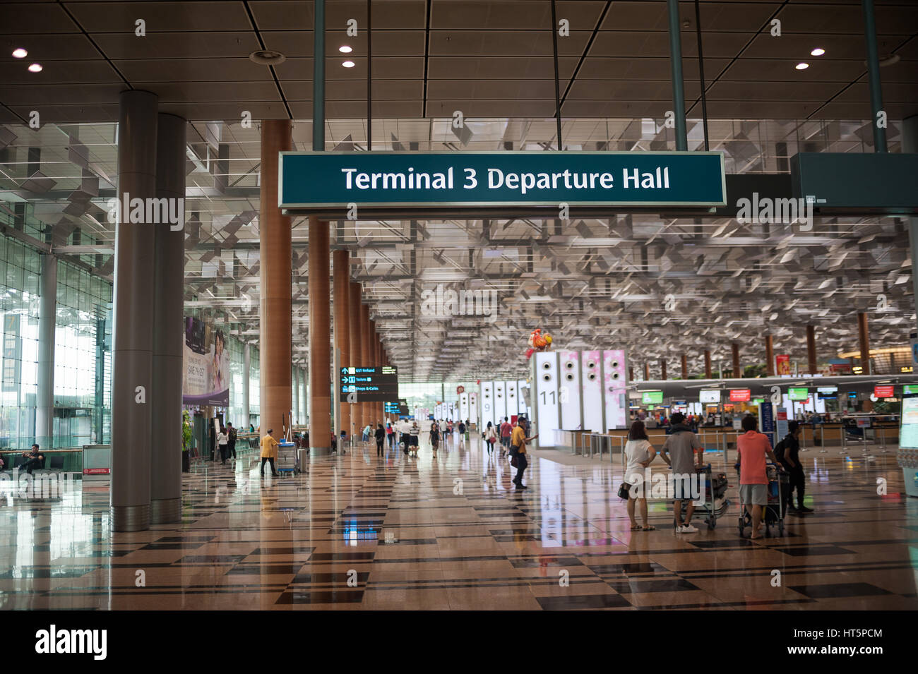 16.01.2017, Singapore, Republic of Singapore, Asia - A view of the departure hall of Terminal 3 at Singapore's - Stock Image