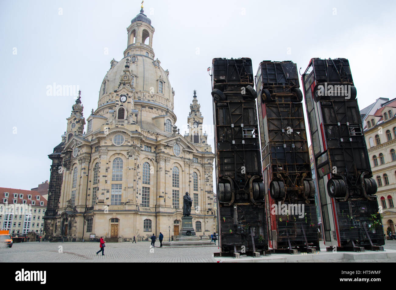 Frauenkirche Dresden with the bus barricade of Manaf Halbouni as tribute to Syria - Stock Image