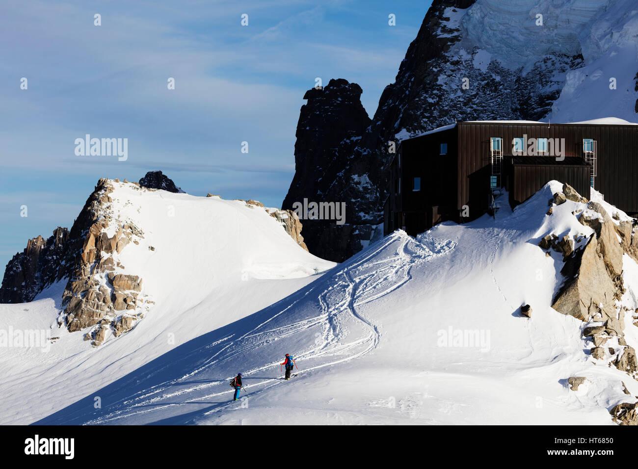 Grand Capucin and Refuge des Cosmiques (Cosmiques Hut), Chamonix, Rhone Alpes, Haute Savoie, French Alps, France - Stock Image