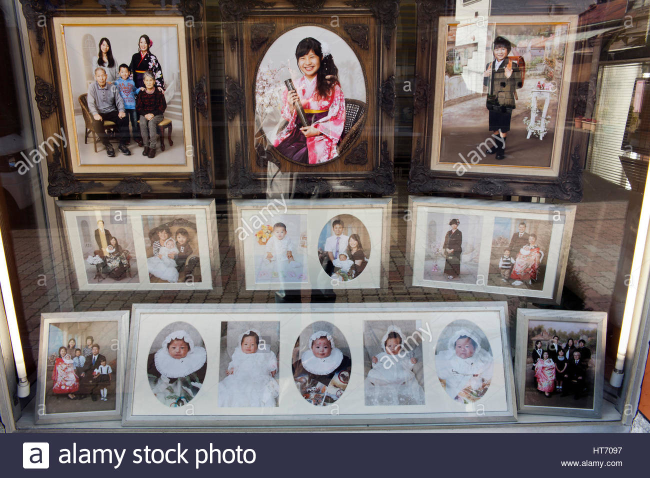 window display of photography studio and shop in Japan - Stock Image