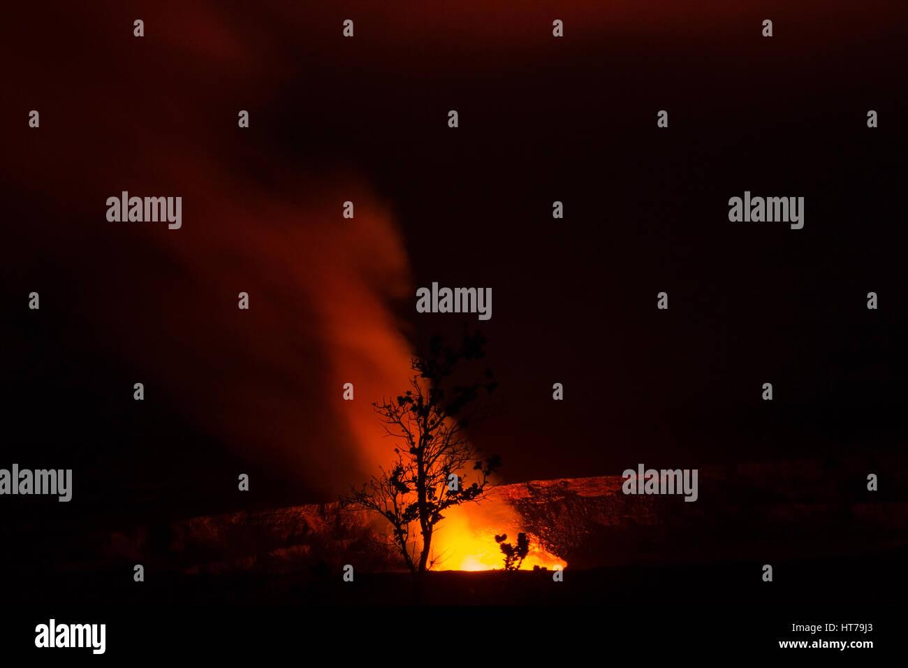 Halema'uma'u Crater, pit crater at night, Hawai'i Volcanoes National Park, HI,USA - Stock Image
