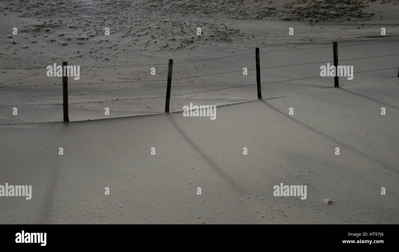Barbed Wire Fence Beach Stock Photos & Barbed Wire Fence Beach Stock ...