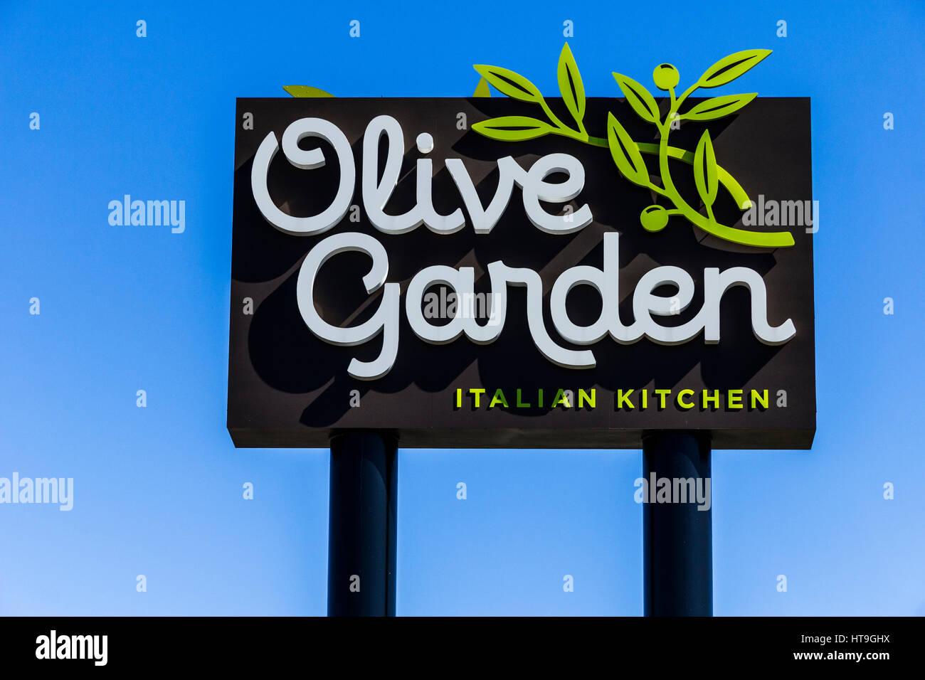 Muncie Circa March 2017 Olive Garden Italian Restaurant Olive