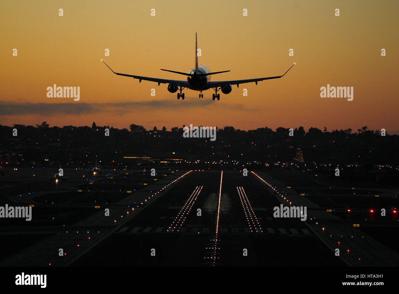 December 26, 2016 - San Diego, CA, USA - December 26, 2016 - San Diego, California, USA- A commercial airlines lands - Stock Image