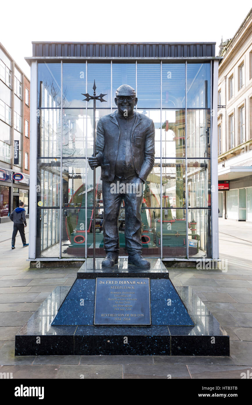 Fred Dibnah statue in Bolton Town Centre, Bolton , England , UK - Stock Image