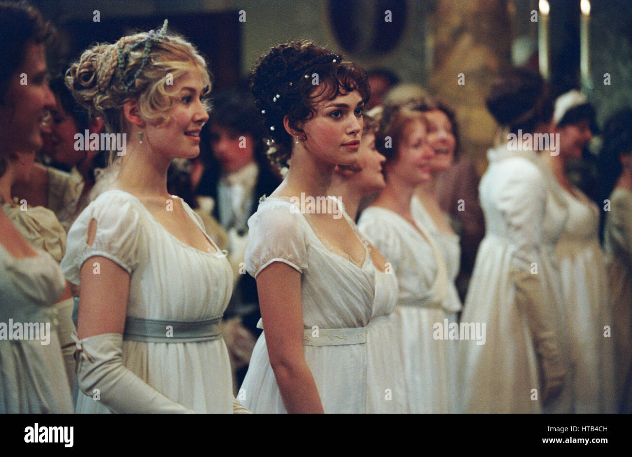 PRIDE AND PREJUDICE (2005)  ROSAMUND PIKE  KEIRA KNIGHTLEY  JOE WRIGHT (DIR)  UNIVERSAL PICTURES/MOVIESTORE COLLECTION - Stock Image