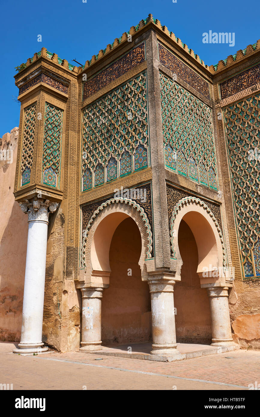 Bab Mansour gate, named after the architect, El-Mansour, completed in 1732. The design of the gate plays with Almohad - Stock Image