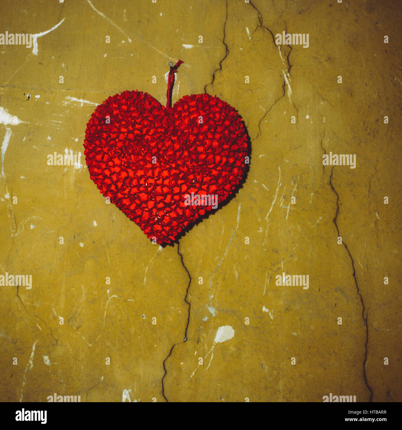 Cracked Heart Stock Photos & Cracked Heart Stock Images - Alamy