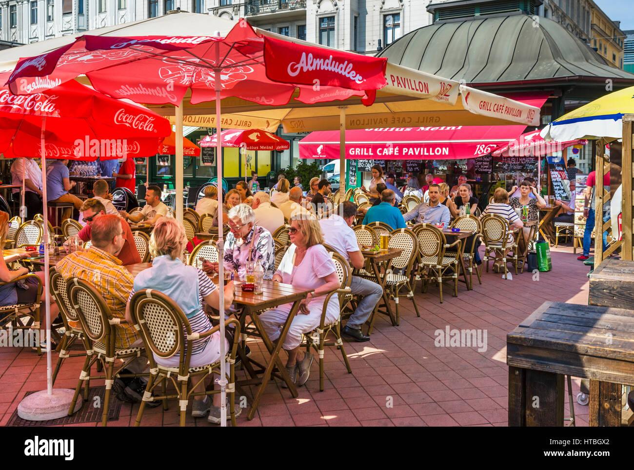Sidewalk cafe in the Naschmarkt, Vienna, Austria - Stock Image