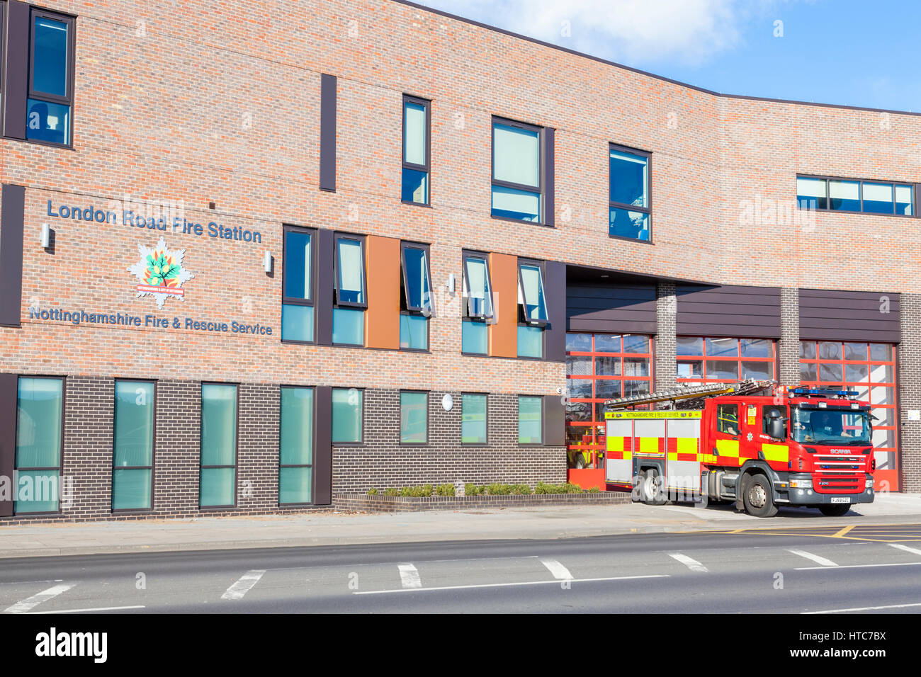 Fire engine at London Road Fire Station, Nottinghamshire Fire and Rescue Service, Nottingham, England, UK - Stock Image