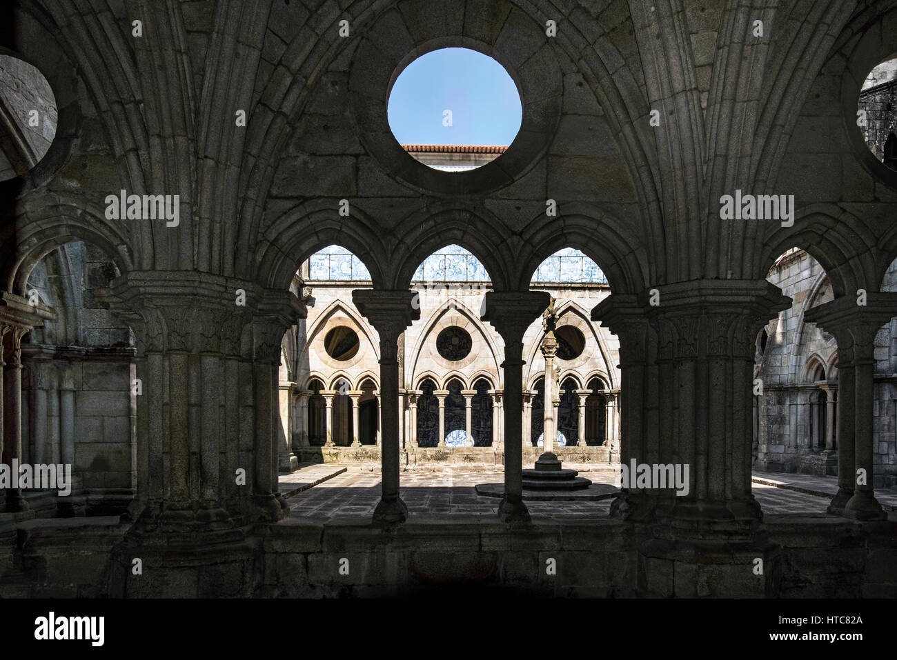 Cloister of Se Cathedral Porto - Stock Image