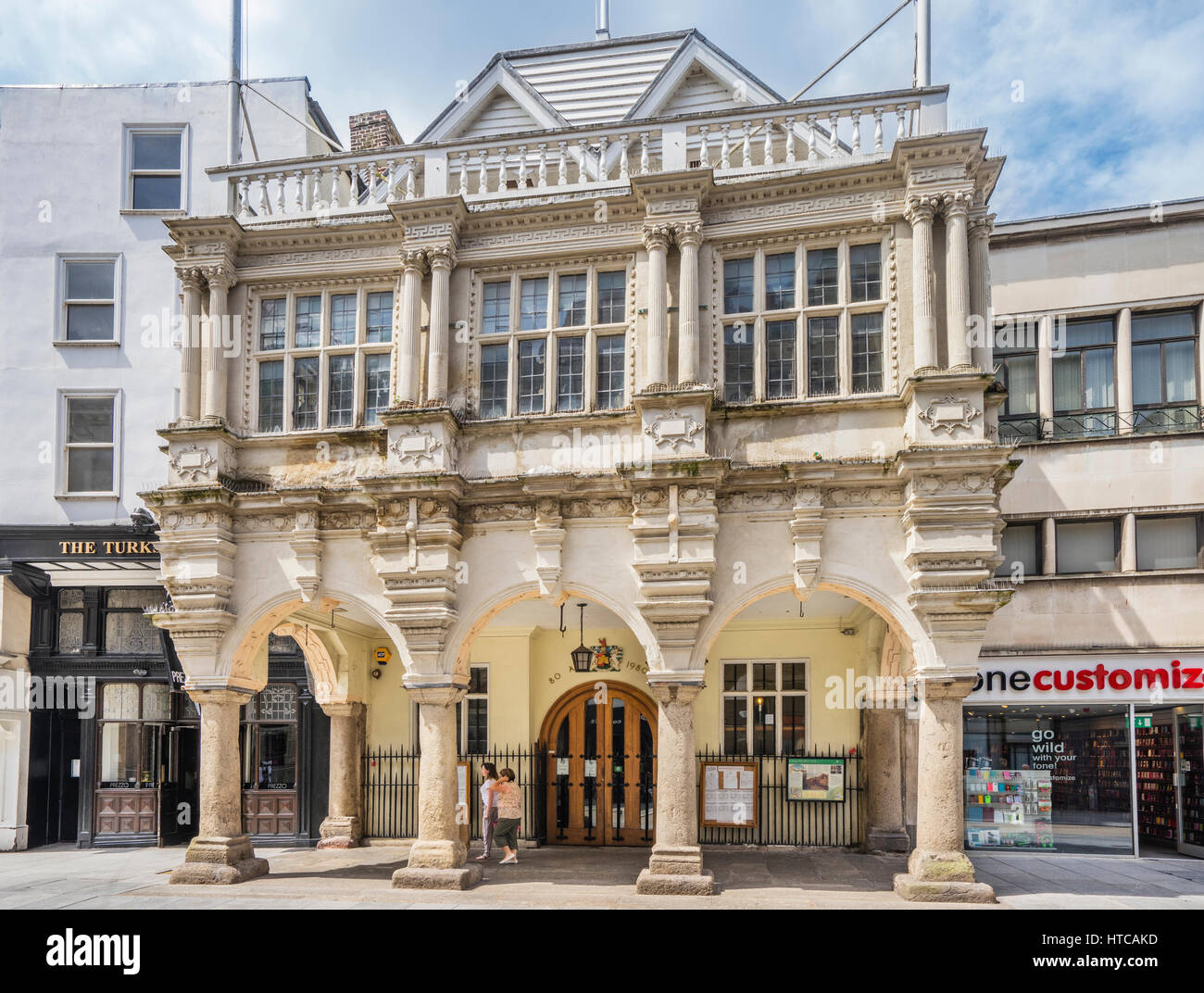 Great Britain, South West England, Devon, Exeter, Exeter Guildhall, one of the oldest municipal buildings in England - Stock Image