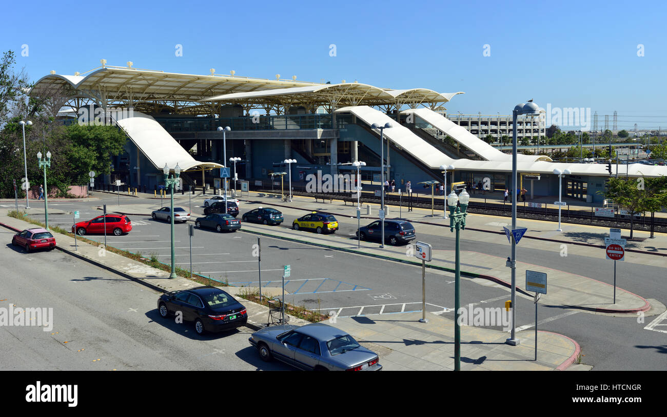 Millbrae BART and Caltrain station, Millbrae, California - Stock Image