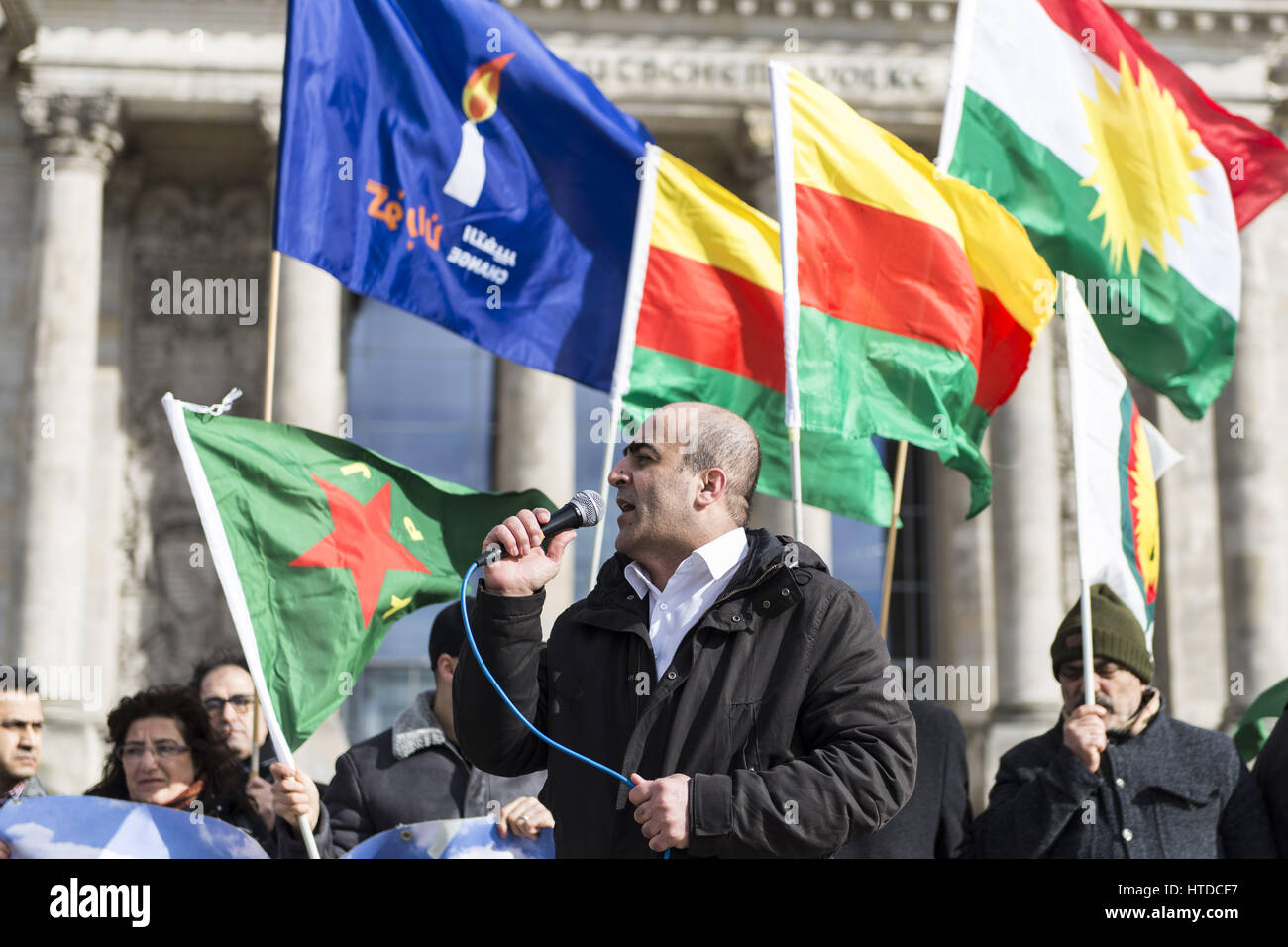 Berlin, Germany. 10th Mar, 2017. Yezidi representatives and Kurds demanding political support in front of the German - Stock Image