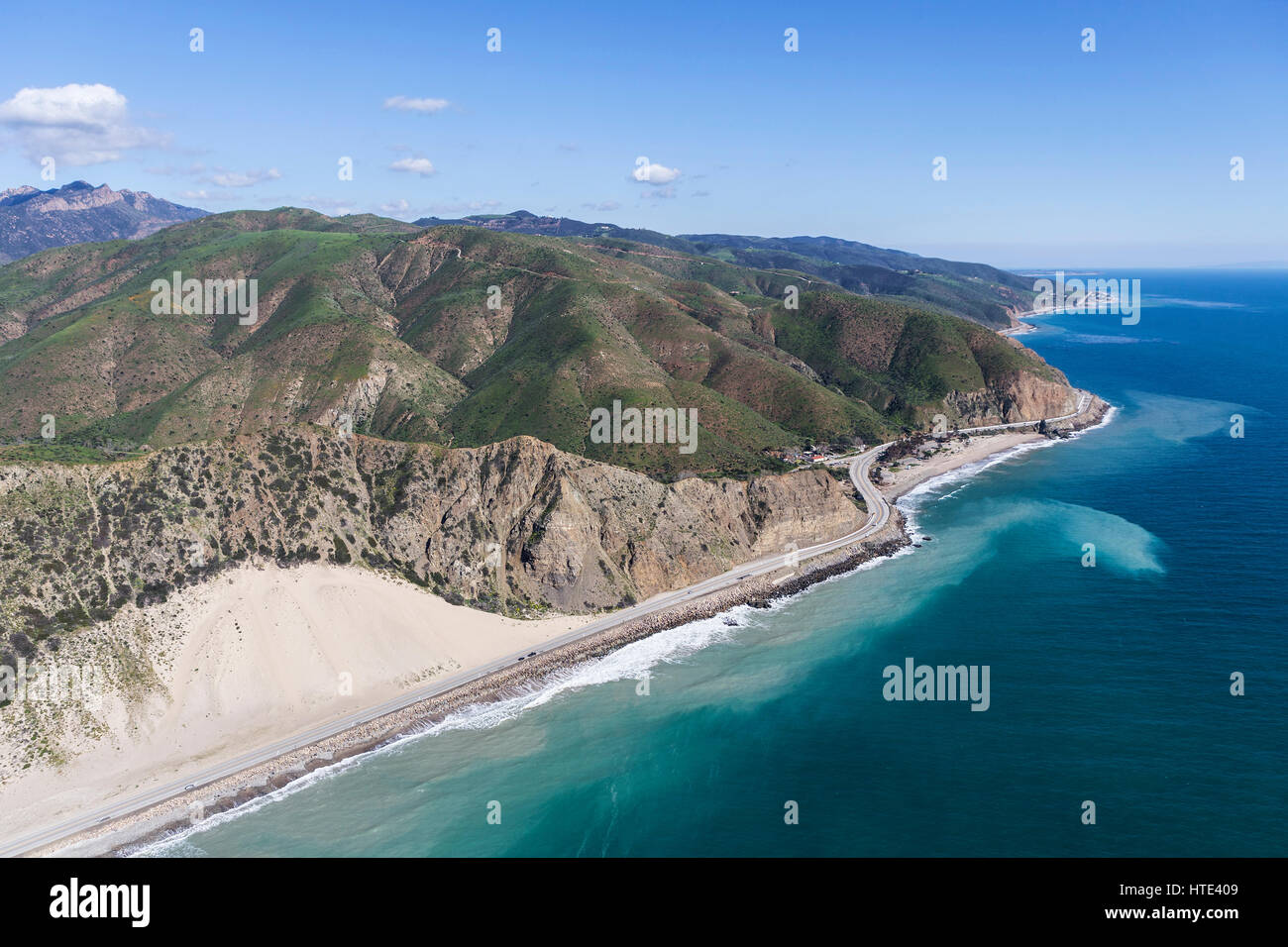 Aerial view of coastal sand dune and Pacific Coast Highway north of Malibu in Southern California. - Stock Image
