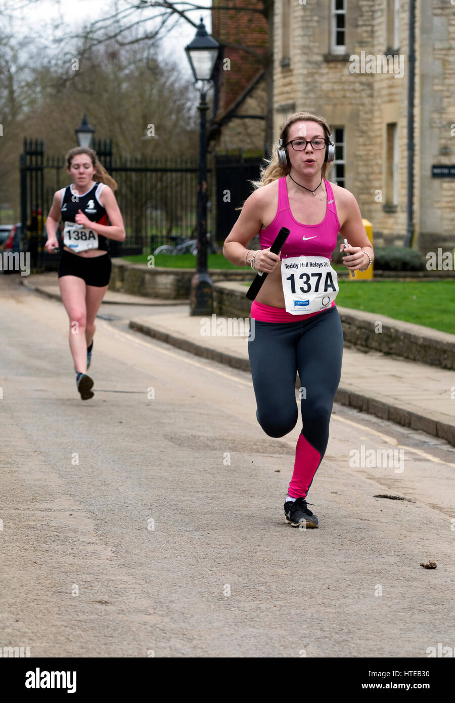 Female runners in the Teddy Hall Relays, Oxford, UK - Stock Image