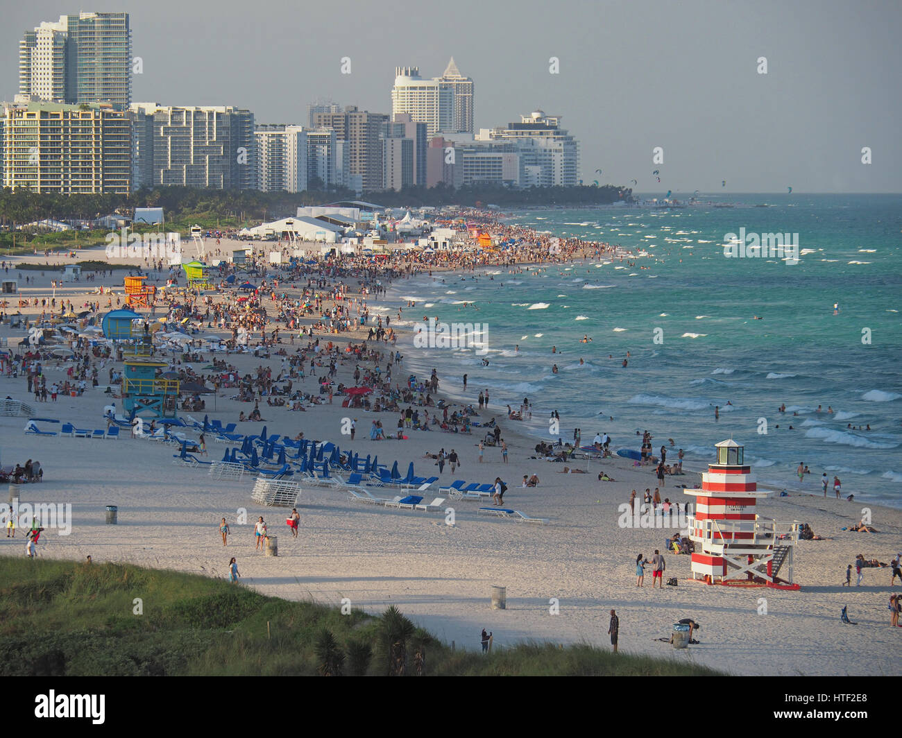Crowded South Miami Beach on a Sunday in winter. - Stock Image