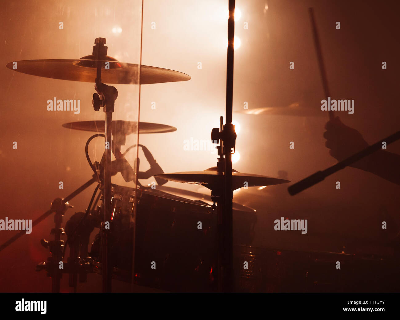 C8 Alamy Com Comp Htf3yy Live Music Photo Backgrou