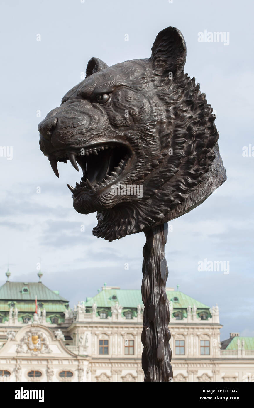 Tiger. Circle of Animals (Zodiac Heads) by Chinese contemporary artist Ai Weiwei (2010) on display in the Belvedere - Stock Image