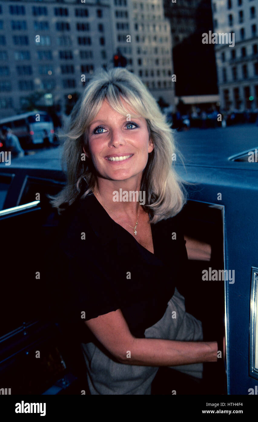 Watch Linda Evans born November 18, 1942 (age 75) video