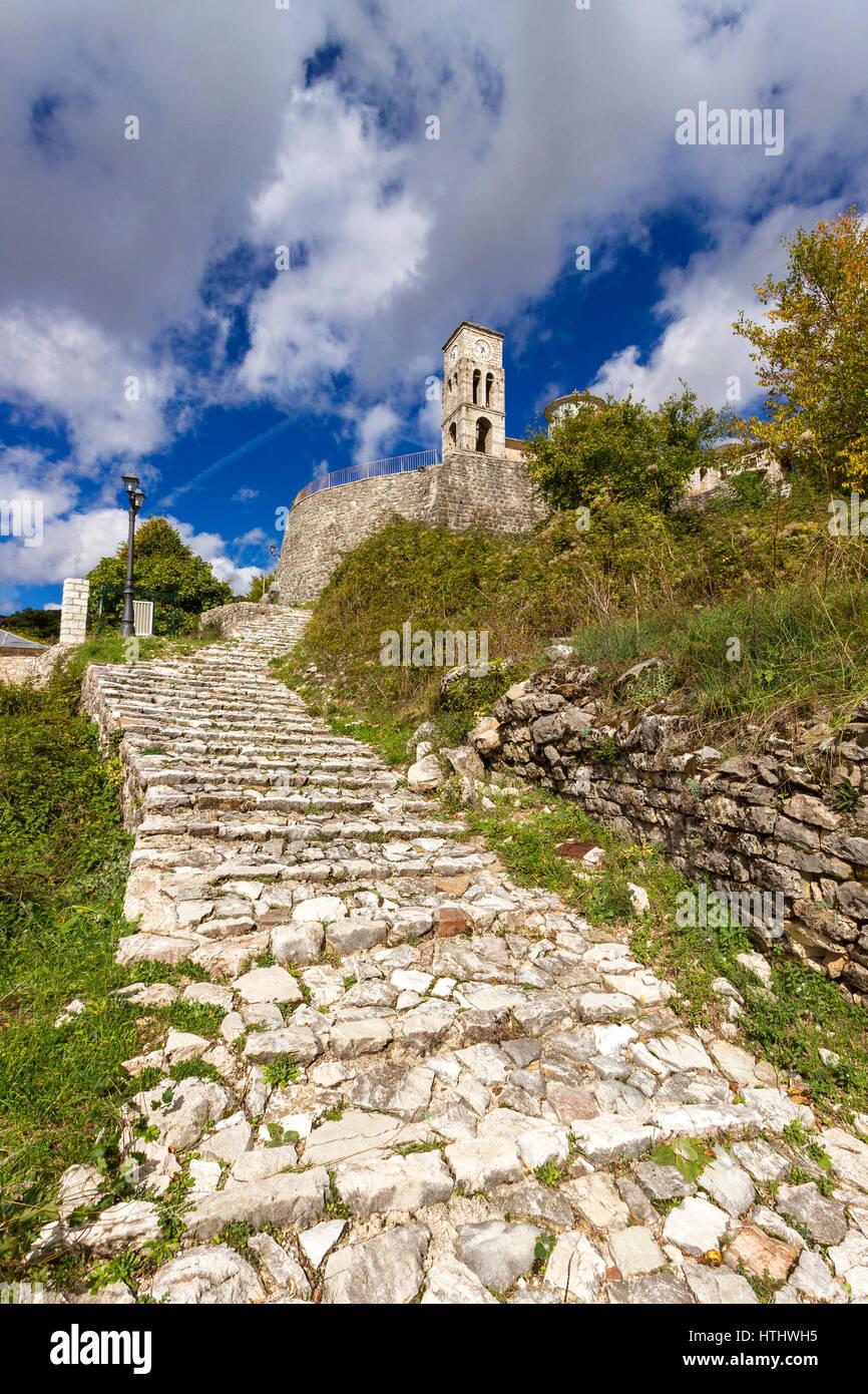Stone paved path in the picturesque village of Kalarrytes, in Tzoumerka region, near Ioannina town, Epirus, Greece. - Stock Image