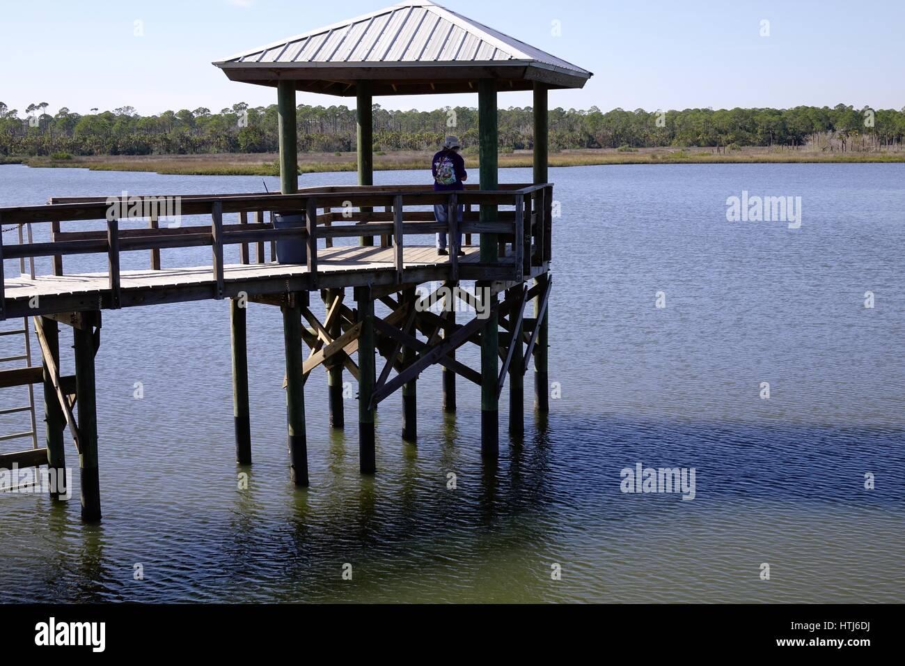 Fishing dock at Spruce Creek Park, Port Orange, Volusia County, Florida - Stock Image