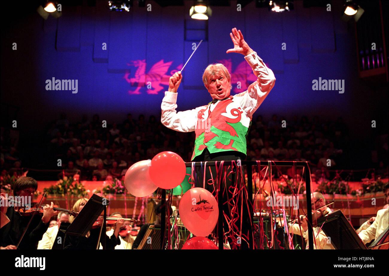 Owain Arwel Hughes conducting the Last Night Of The Proms, St Davids Hall, Cardiff. Stock Photo