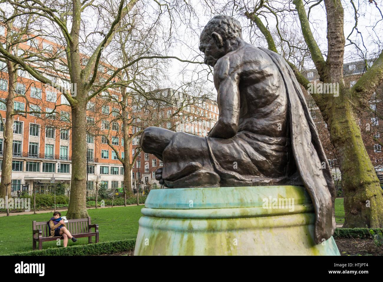 Statue of Mahatma Gandhi, sculpted by Fredda Brilliant, in Tavistock Square, London, UK. - Stock Image