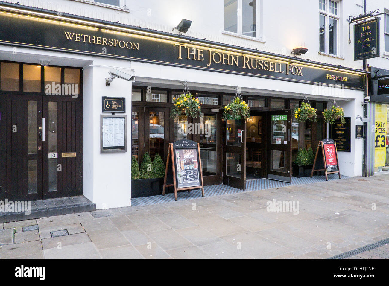 The John Russel Fox Wetherspoons in Andover Hampshire - Stock Image