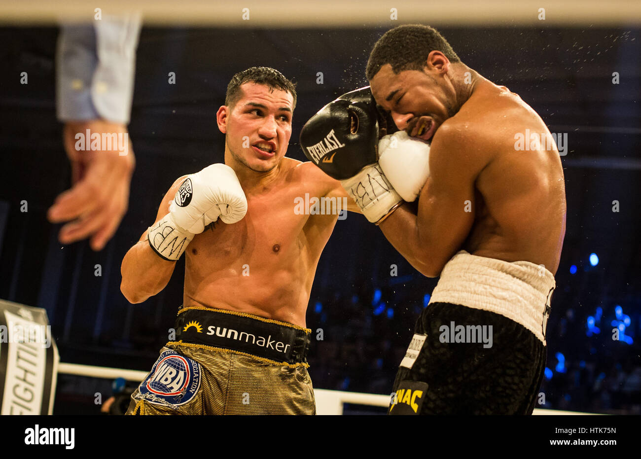 Ludwigshafen, Germany. 11th Mar, 2017. Jack Culcay (Germany, l) and Demetrius Andrade (US) the WBA world half middleweight Stock Photo