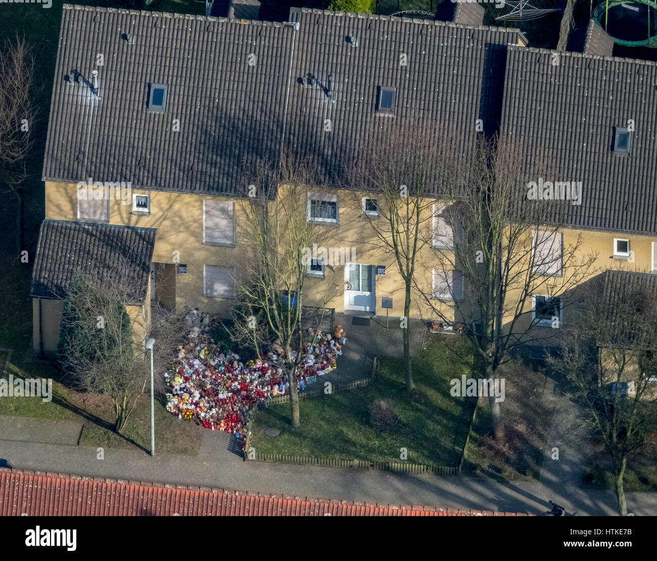 Herne child murder case, Settlement in Dannekamp, home of murderer Marcel Hesse and the nine-year-old victim, toys - Stock Image