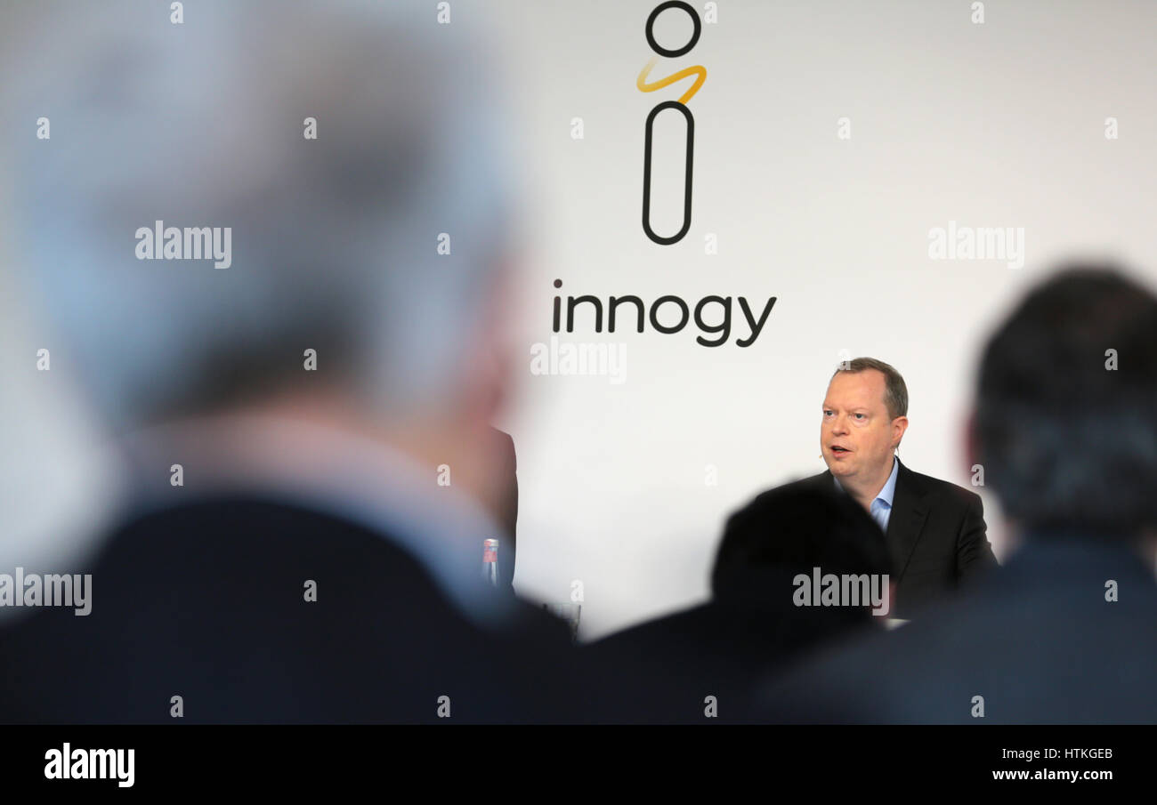 Essen, Germany. 13th Mar, 2017. Chairman of the board for the eco-energy group Innogy, Peter Terium, speaks at the - Stock Image