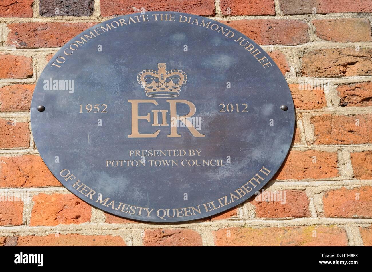 Plaque Queen Elizabeths II Diamond Jubilee, Potton, Bedfordshire - Stock Image