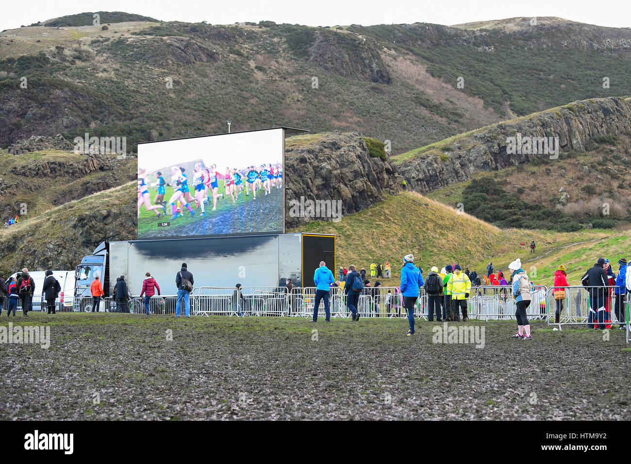 EDINBURGH, SCOTLAND, UK, January 10, 2015 - public enjoying the Great Edinburgh Cross Country Run despite  bad weather. - Stock Image