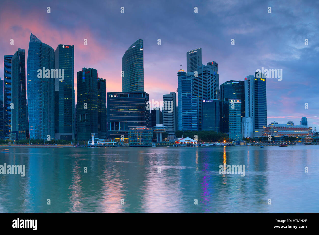 Skyscrapers of CBD at sunset, Marina Bay, Singapore - Stock Image