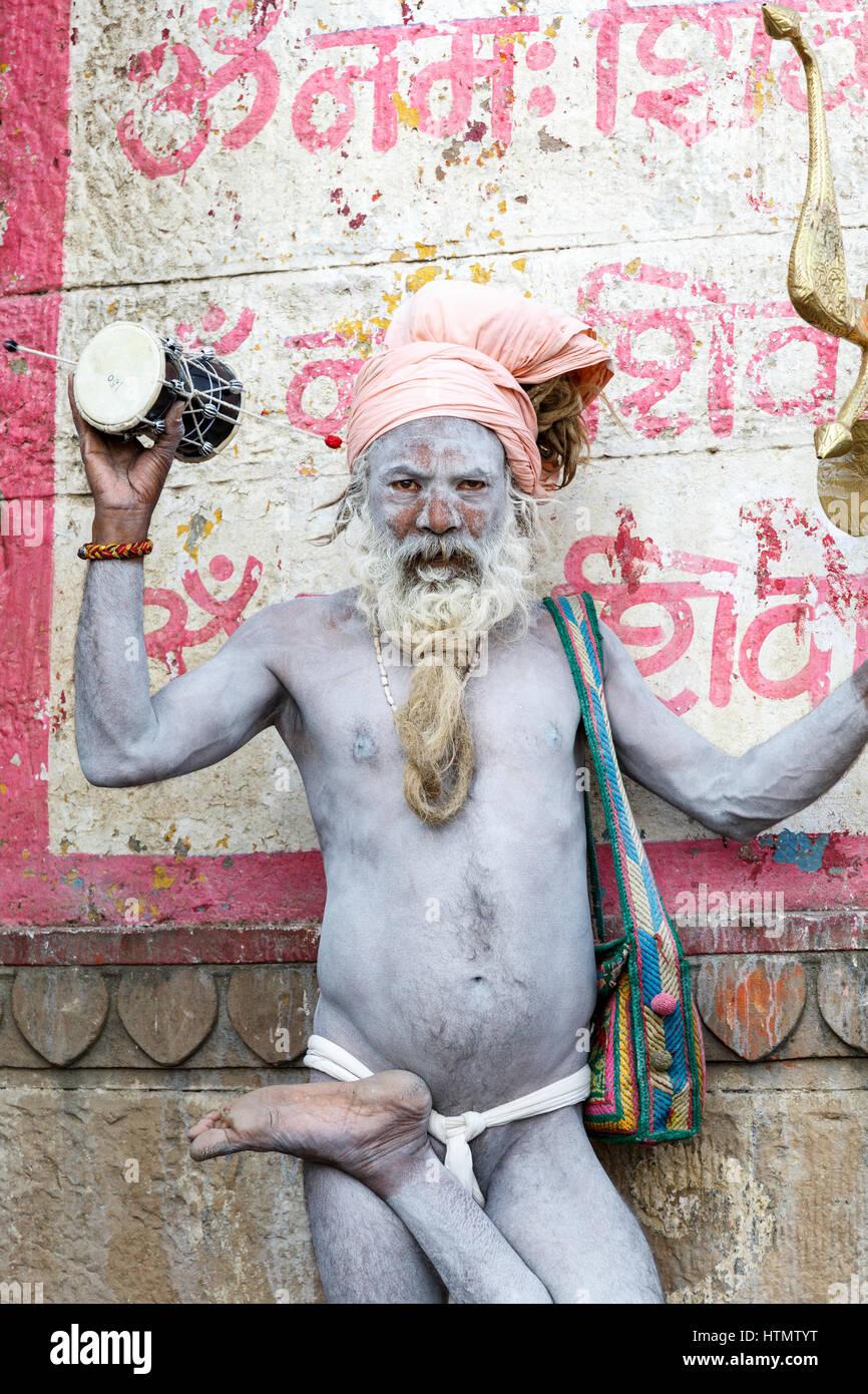 Sadhu at the Ghats on the Ganges, Varanasi, Uttar Pradesh, India - Stock Image