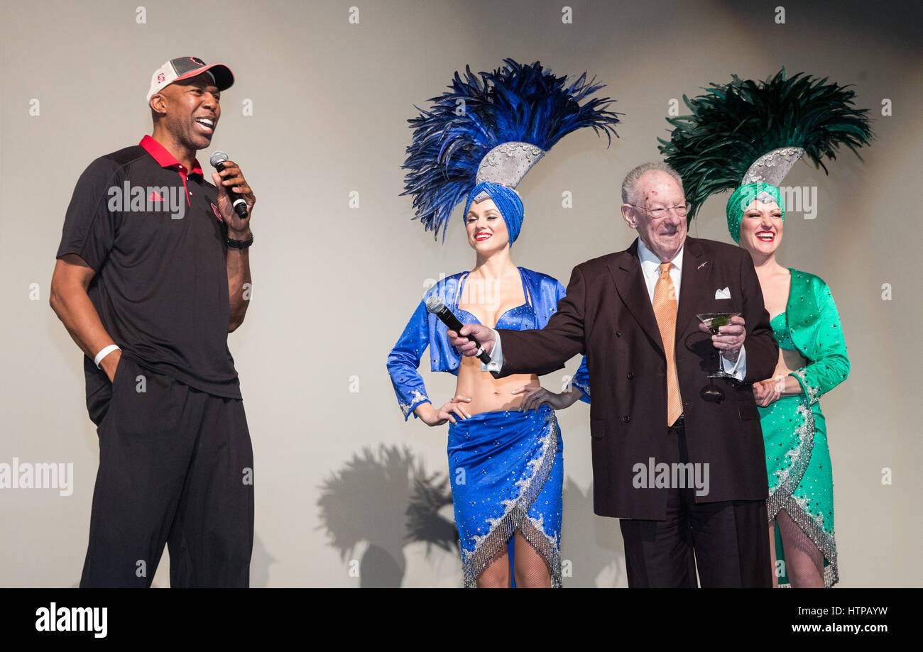 Las Vegas, NV, USA. 16th Mar, 2017. ***HOUSE COVERAGE*** Former NBA Player Thurl Bailey and Former Las Vegas Mayor - Stock Image