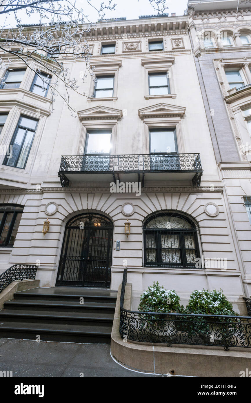 The Clarence Whitman Mansion in the Upper East Side neighborhood of New York on Friday, March 10, 2017. The Chinese - Stock Image