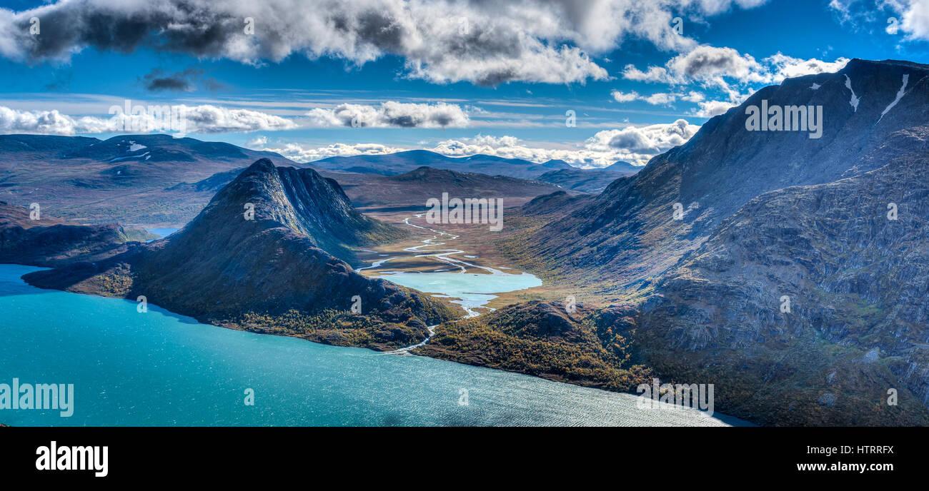The Gjende lake along the Besseggen ridge hike. - Stock Image