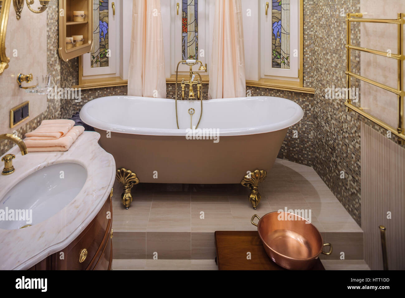Classic bathroom interior, Old-fashioned bathtub spa Stock Photo ...